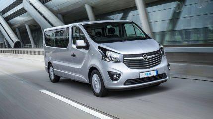 2017-Opel-Vivaro-Combi